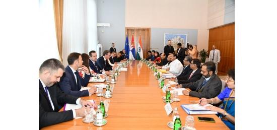 Vice President and President Aleksandar Vucic of Serbia hold delegation level talk in Serbia (September 15, 2018)